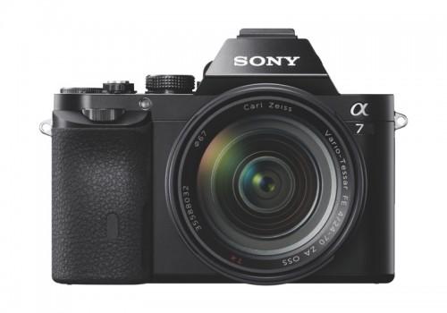 Sony esittelee uuden a7-kameran: Täyden kennon kuvausta ilman täyden rungon kokoa