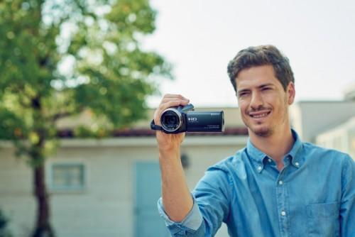 Sonyn uusi Handycam®-mallisto taltioi elämän tähtihetket 4K-tarkkuudella